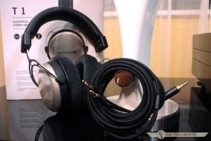 W komplecie ze słuchawkami mamy wysokiej klasy, miedziany przewód o czystości 7N i zaczynający się 3,5 milimetrowym, gwintowanym Jackiem.