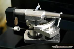 Ramię montowane w tym gramofonie to znany model Interspace, który osobno kosztuje aż 3.700 PLN.