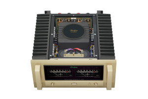 Accuphase P-7300 2