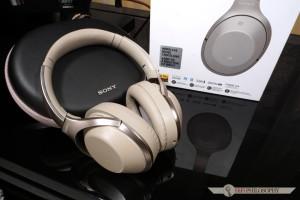 Jeśli ktoś tylko potrzebuje tak zadaniowych słuchawek, to Sony MDR-1000X można polecić z czystym sumieniem.