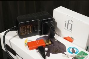 """Pomocnikiem i uzupełnieniem """"systemu"""" będzie iFi iPower w wersji 5V."""